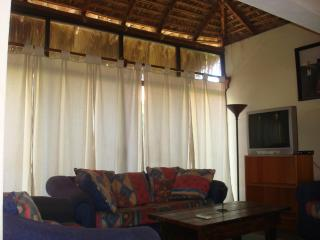 III Good Location And Price, Nice, Clean And Comfortable. - La Paz vacation rentals