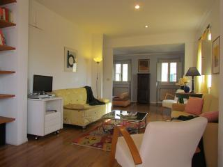 Florence Apartments - Apartment Roger - Florence vacation rentals
