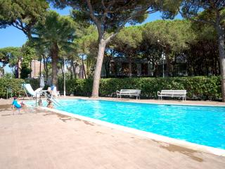 POOL BBQ APARTMENT in CASTELLDEFELS - Tossa de Mar vacation rentals