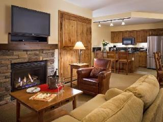 Chic Teton Mountain Lodge & Spa Two Bedroom Suite with Ski-in/ski out & jetted tub - Teton Village vacation rentals