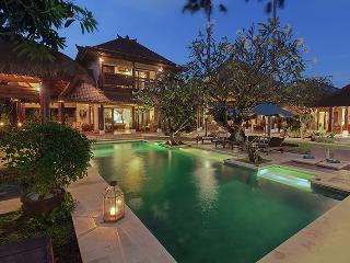 Villa Kampungs 9 bedroom in the heart of Seminyak. - Seminyak vacation rentals