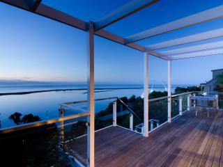 Sea Views Holiday House: Views & space - Mapua vacation rentals