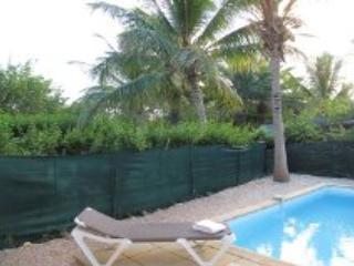 Villa Josephine... Orient Beach, St Martin 800 480 8555 - VILLA JOSEPHINE....a lovely, affordable townhome...walk to Orient Beach - Saint Martin-Sint Maarten - rentals