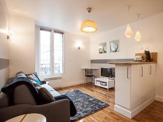 Nice Flat South Paris / Beau Studio Porte Versailles- South of Paris - Issy-les-Moulineaux vacation rentals