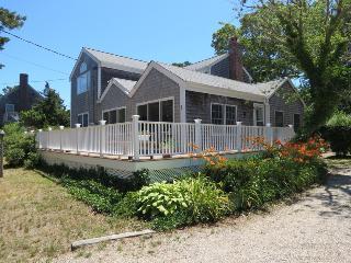 047-B Roomy, Bright Home 4 min walk to beach - Brewster vacation rentals