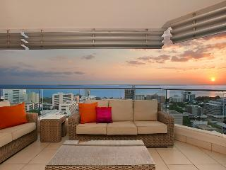 Darwin Executive Suites 3 Bedrooms + FREE CAR - Darwin vacation rentals