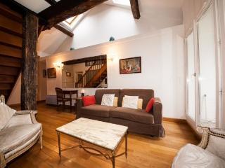 Traditional Apartment for 6 in Paris - Paris vacation rentals