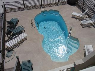 Gulf front duplex with POOL! 4 bedrooms/3 baths! - Gulf Shores vacation rentals