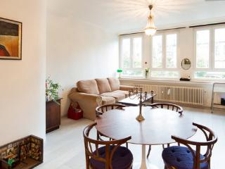 ENTIRE APPT IN  HEART OF OLD ANTWERP - Antwerpen vacation rentals