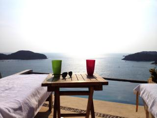 DEAL! Oceanview Penthouse Zihuatanejo 4  Rent - Ixtapa/Zihuatanejo vacation rentals