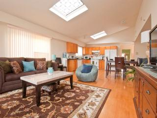 Trendy  3 Bedroom Apartment Near Times Square - Union City vacation rentals