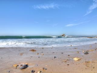 Adorable Condo w/Loft! Has A/C, Walk to Beach! - Corona del Mar vacation rentals