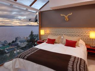 ENTIRE FLOOR 6 BEDROOM/6.5 BATH (TD2) - San Carlos de Bariloche vacation rentals