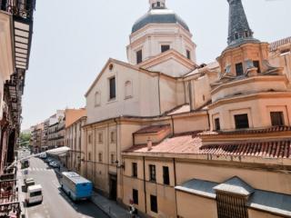 CR177cMadrid - PLAZA MAYOR / SOL 5 bedrooms - Madrid Area vacation rentals