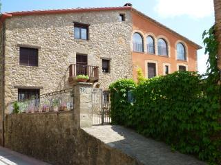 Holiday house to rent, la Garrotxa - Casa Mieres. - Asturias vacation rentals