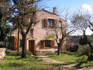 Idyllic Cottage with a Balcony, in Provence - Cotignac vacation rentals