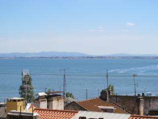 Downtown Alfama RIVER VIEW, 5 room 3 Wc - Lisbon vacation rentals