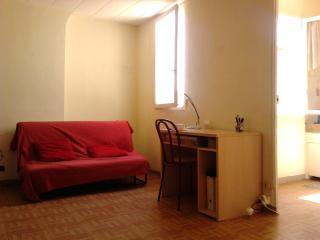 Cheap, Amazing Marseille Studio with View of Notre Dame - Marseille vacation rentals