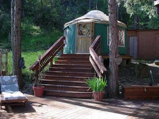 Walker/Williams (Sun-Sun) 8p - Bass Lake vacation rentals