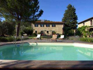 Cottage finely renovated with swimming pool overlooking the Tuscan hills - Montespertoli vacation rentals