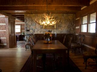 Mountain Lodge on 86 Acre Horse Estate - Damascus vacation rentals