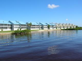 Harbour Village condo, waterfront views of harbor! - El Jobean vacation rentals