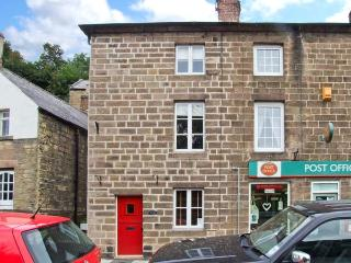POST OFFICE COTTAGE, WiFi, close to amenities, pretty views, three-storey cottage in Cromford, Ref. 25756 - Derbyshire vacation rentals