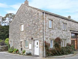 1 MAYPOLE BARN, stone-built conversion, pet-friendly, enclosed patio, country views, in Kettlewell, Ref. 27213 - Yorkshire Dales National Park vacation rentals