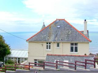 BRYN EGLWYS, detached Edwardian property, en-suite, sea views in Llanaber, Ref 28909 - Gwynedd- Snowdonia vacation rentals