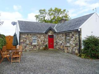 ROSE COTTAGE, pet-friendly, open fire, open plan living, all ground floor, detached cottage near Duncannon, Ref. 28923 - Bannow vacation rentals