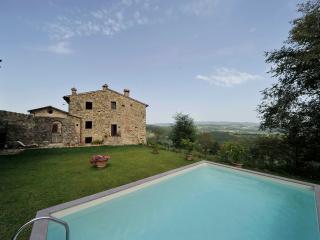 The White Cottage - Casole D'elsa vacation rentals