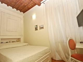 Suite Colosseo - Rome vacation rentals