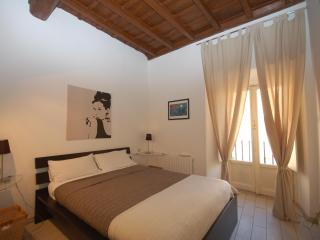 Bovari Apartment in Campo de Fiori - Rome vacation rentals
