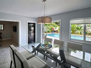 Villa Acqua - Serene Tropical House - Heated Pool! - Fort Lauderdale vacation rentals