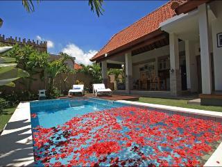 Bali Seminyak 600 m from the beach - Seminyak vacation rentals