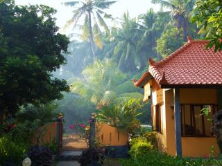 Villa Taman Ayu - a coastal retreat with pool - Kubu vacation rentals
