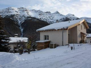 Quiet studio with beautiful views of the mountains - Lucerne vacation rentals