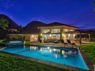 Launiupoko, Private Luxury Home