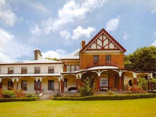 Old Bishop's Quarters - Central 2 Bed Apartment - Hobart vacation rentals