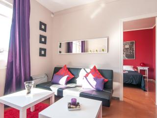 Spacious 4 bedroom near Arc de Triomf - Barcelona vacation rentals