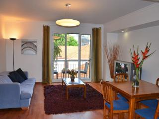 Encarnação 1, unbeatable location - Funchal vacation rentals