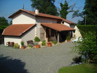 Stunning Farmhouse with Pool and Private Fishing lake near Dax and Orthez - Saint Sever vacation rentals
