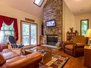 5 STAR REVIEWS ,Wifi,Hottub,Jacuzzi,2-Pools - Pigeon Forge vacation rentals