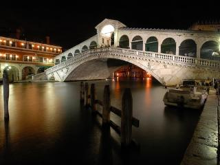 Apartment in the heart of Venice (2bedrooms,6beds) - Venice vacation rentals