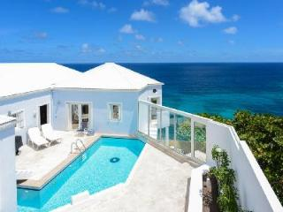 Colonial one-level Au Vent, two pools, gazebo and sea view terraces & daily maid - Pointe Milou vacation rentals