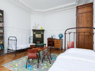 Rue Joseph Bara Apartment Rental in Paris - 1st Arrondissement Louvre vacation rentals