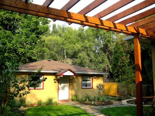 Charming Creekside Cottage Close to Whitman & Wine - Walla Walla vacation rentals