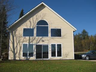 Beautiful Cottage on Lake Bernard - Sundridge vacation rentals