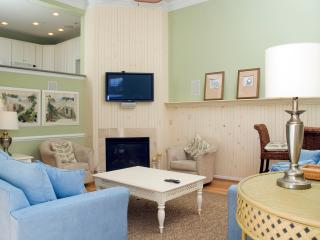 Former Model Home - Well Behaved Dogs Welcome - Ocean View vacation rentals