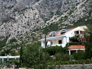 Seaview Villa with pool, tenniscourt and garden - Podgora vacation rentals